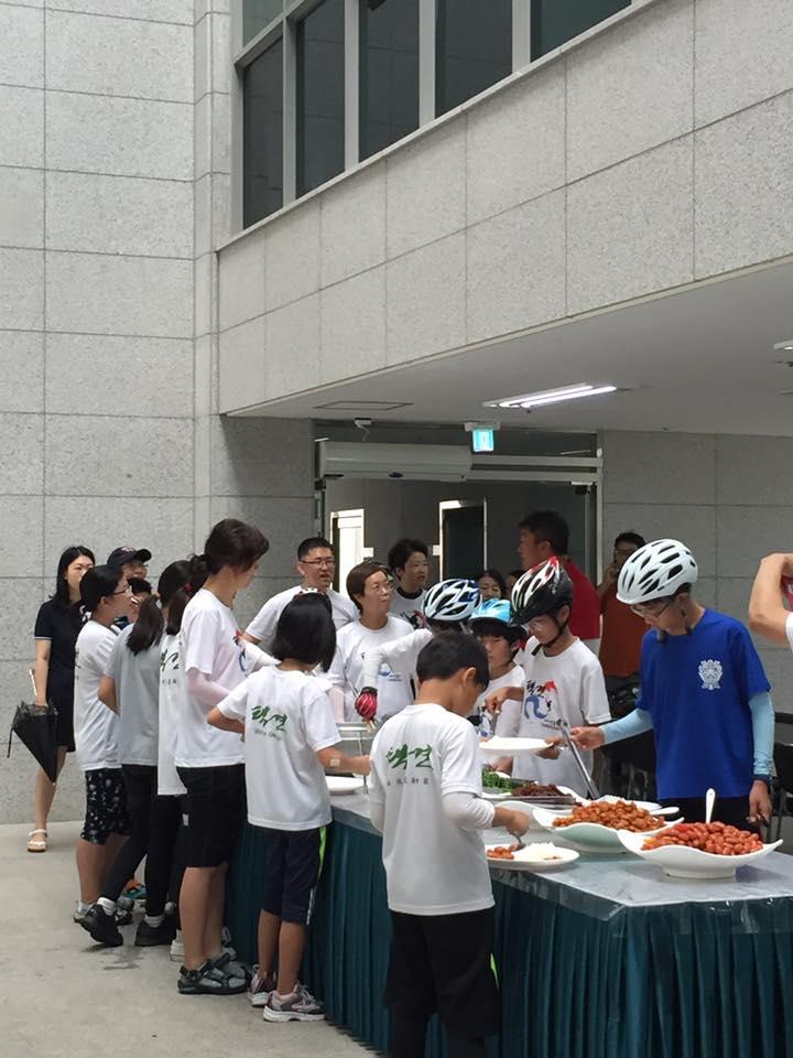 2016 자전거 동호회 식사.jpg